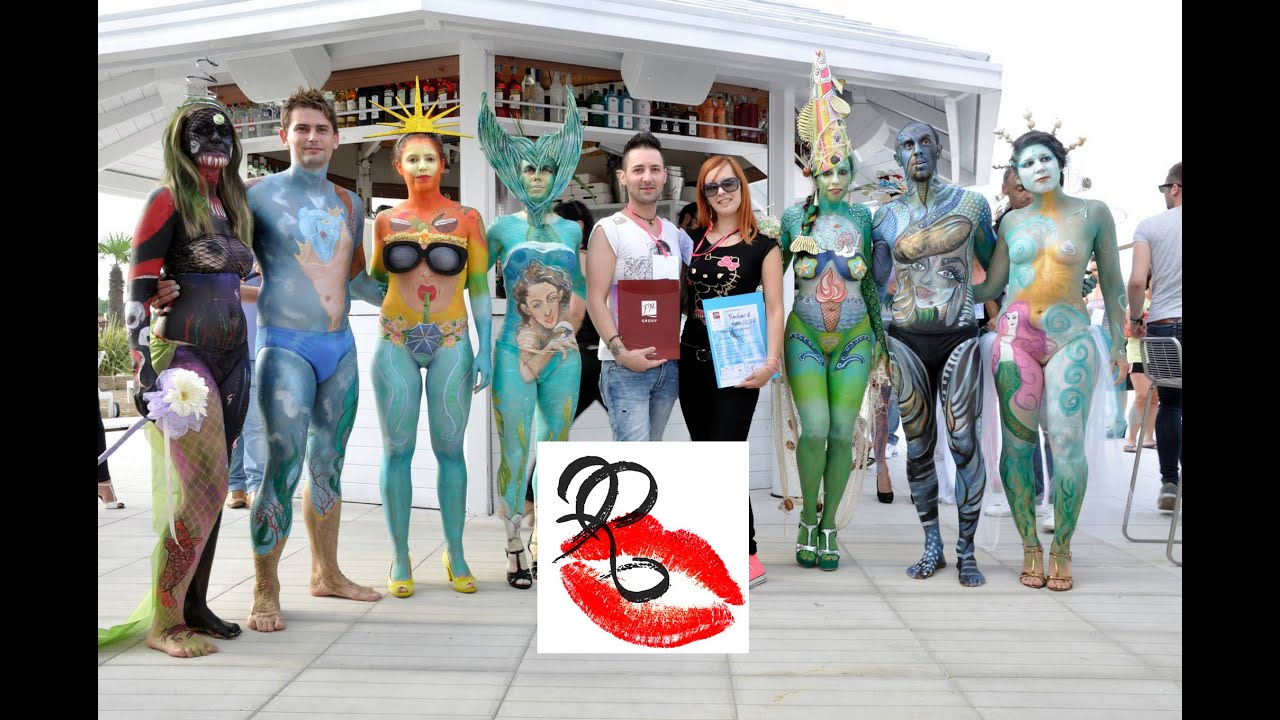 girls in body painting contest