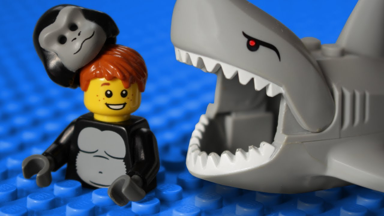 Lego Shark attack MOVIE!!!