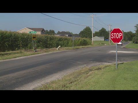 Three Illinois family members die in car crash Friday