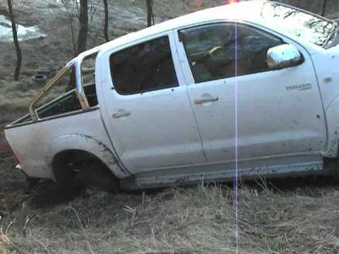 toyota hilux 2010 offroad testing youtube. Black Bedroom Furniture Sets. Home Design Ideas