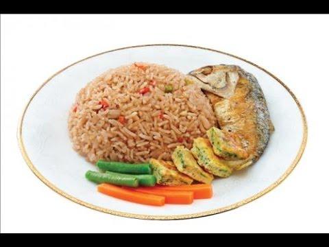 ข้าวคลุกน้ำพริกกะปิปลาทู Shrimp Paste Fried Rice with Fried Mackerel