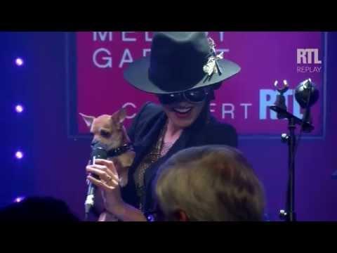 Melody Gardot et son chien - RTL - RTL