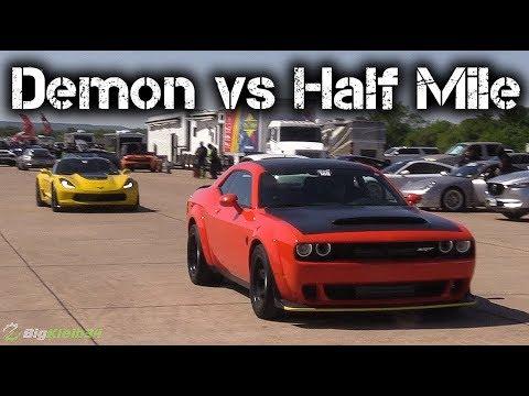 Dodge Demon Takes on C7 Corvette Z06, Mustang, More in Half Mile!