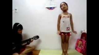 Nhật ký của mẹ- guitar cover - [ Show Gia đình yêu thương] - Hà Trang + RubyNguyen1606