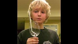 ich kann Glas mit meiner Stimme zerbrechen..