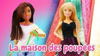 Barbie et Ken se préparent pour la soirée. Vidéo de poupées pour les filles.