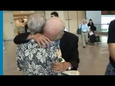 Emotional Reunion of Siblings Separated During the Holocaust