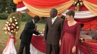 De bruiloft van Jorine en Bush | Grenzeloos Verliefd | Extra