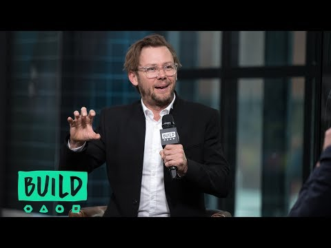 """Jimmi Simpson On Portraying Det. Russell Poole In """"Unsolved"""""""