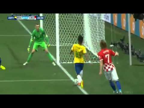 Neymar Jr amazing run and Oscar great shot • Brazil vs Croatia