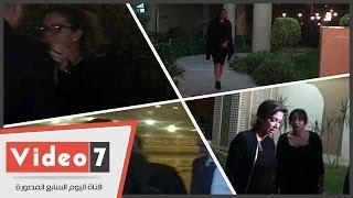 منى زكى وهالة سرحان وريهام عبد الغفور ورولا خرسا بعزاء الفنان محمود عبد العزيز