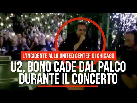 U2, Bono cade dal palco durante il concerto