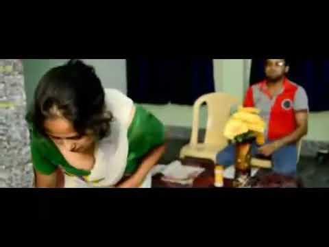 Mallu maid house owner cleavage hot thumbnail