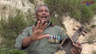 आमाले सोद्लिन नि  - तक्मे बा ले यो गीत गाएर सबैलाई रुवाय ! - Heart Touching Nepalese Song By Army