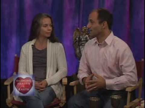 """Bridging Heaven & Earth Show # 315 with Narayan and Dharmadevi Romano & """"Finding Happiness"""" Videos"""