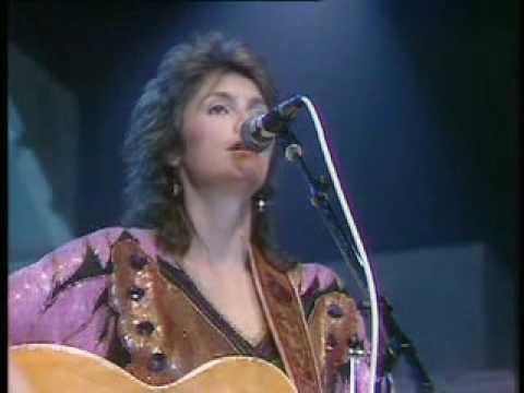 Emmylou Harris - Too Far Gone (Wembley 1984)