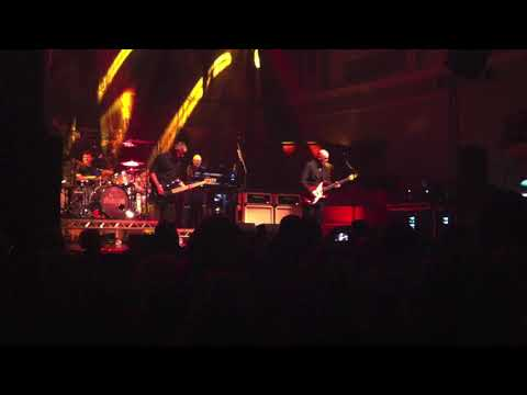 The Stranglers Live in Belfast- Last Man On The Moon