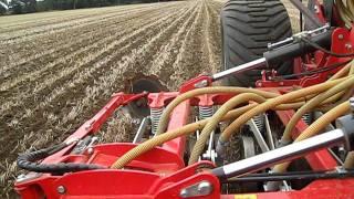 Sumo Versadrill and liquid fertilizer application.