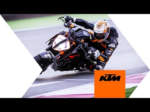 Qatar onboard with Jeremy McWilliams & the KTM 1290 SUPER DUKE R | KTM