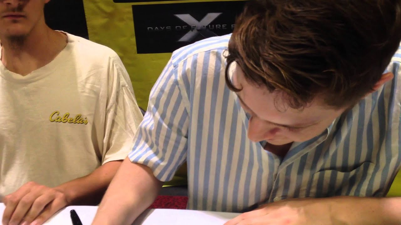 Meeting evan peters tampa fl comic con august 2nd 2014 youtube m4hsunfo