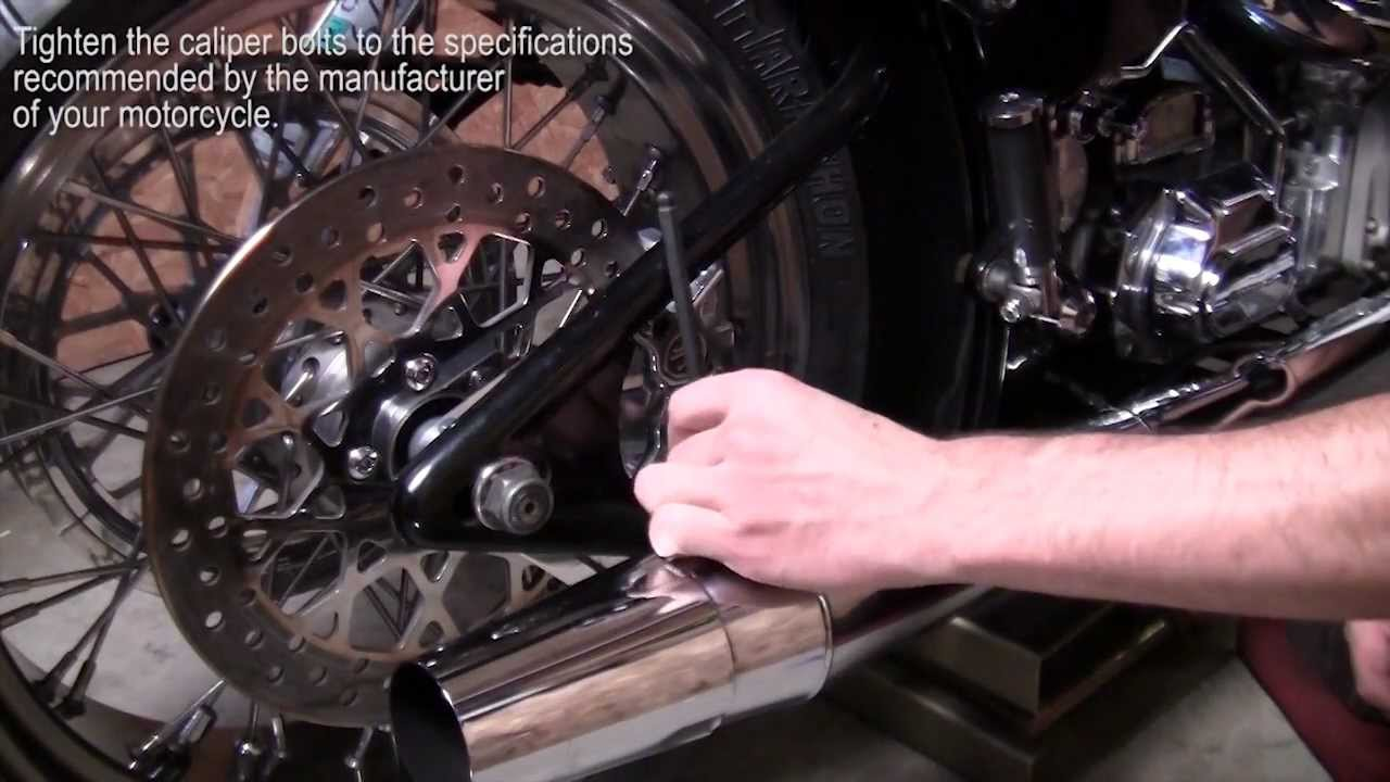 How to Remove, Install, and Change a Rear Tire on a Softail (Narrated)  YouTube