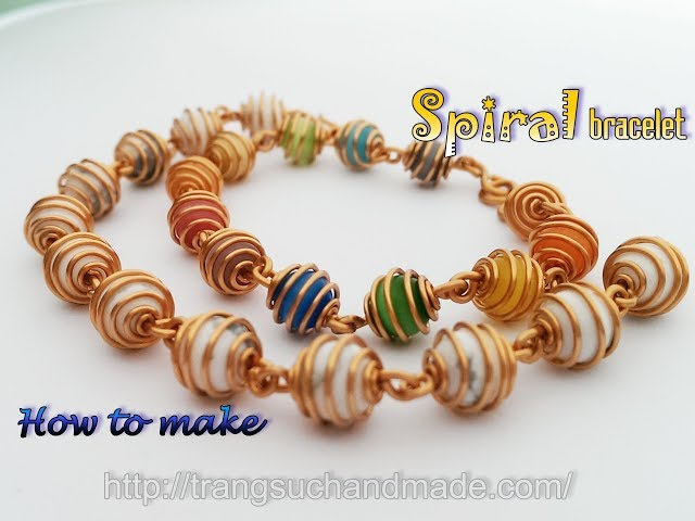Spiral bracelet with small spherical stone - Simple jewelry from copper wire 401