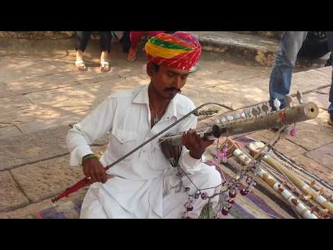 Best Sarangi Player | Street Musician | Udd Ja Kaale Kawaan on sarangi  music | bollywood song