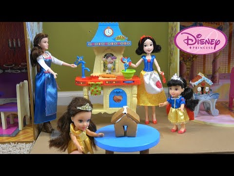 Princess Story: Princess Snow White and Princess Belle Baking Gingerbread House in NEW Kitchen