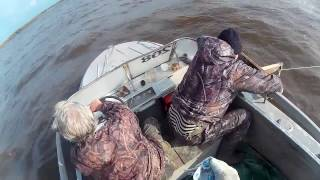 Рыбалка сплавной сетью с катера