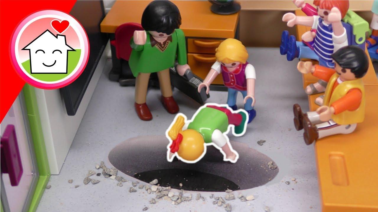 Playmobil Familie Hauser - Ein Loch im Boden - Prank in der Schule mit Lena