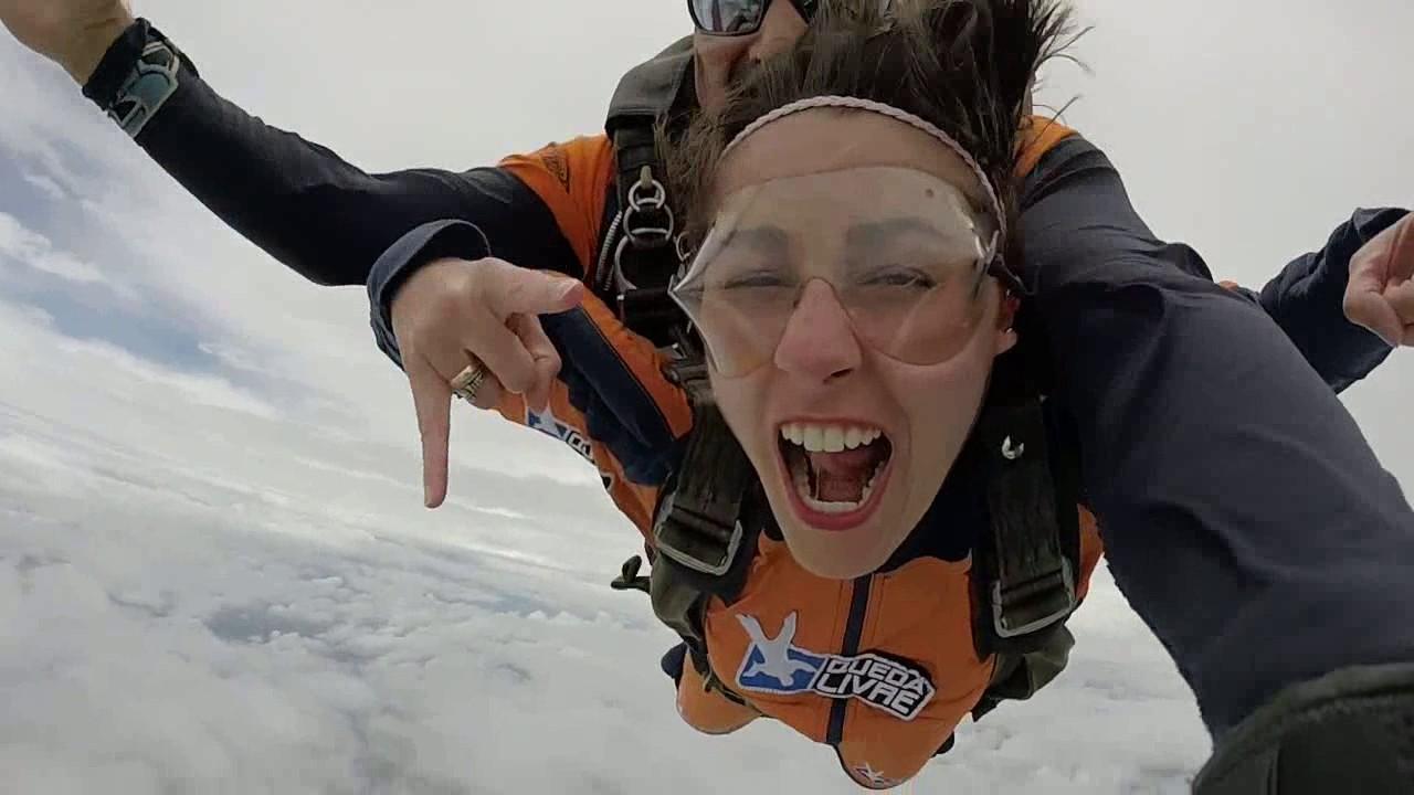 Salto de Paraquedas da Karina T na Queda Livre Paraquedismo 21 01 2017