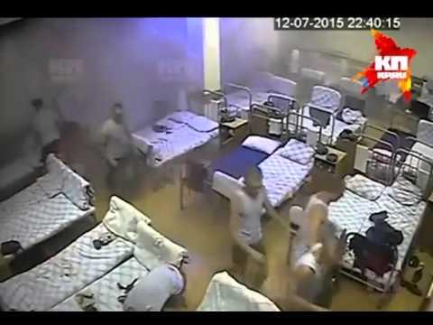 Видео обрушения омской казармы ВДВ
