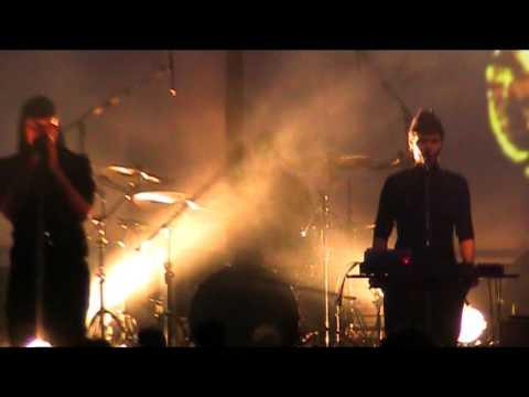 LAIBACH: Alle Gegen Alle  (original song by DAF)