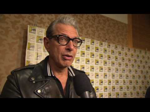 SDCC 2017 : Black panther - Itw Jeff Goldblum (official video)