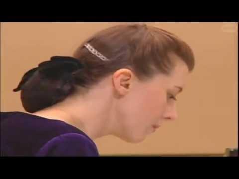イリーナ・メジューエワ メトネル「優美な舞曲」「田舎の舞曲」