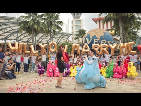 THE CAREBEAR PROPOSAL - Public Flash Mob Proposal @ Resorts World Sentosa Singapore - Andrew & Anna