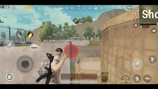 Peek and throw in PUBG MOBILE