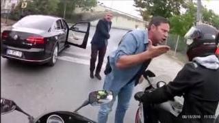 RTE 'nin Korumaları Artislik Yapan Motorcuları Pişman Ediyor.