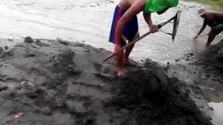 Penambang pasir kali mbladak