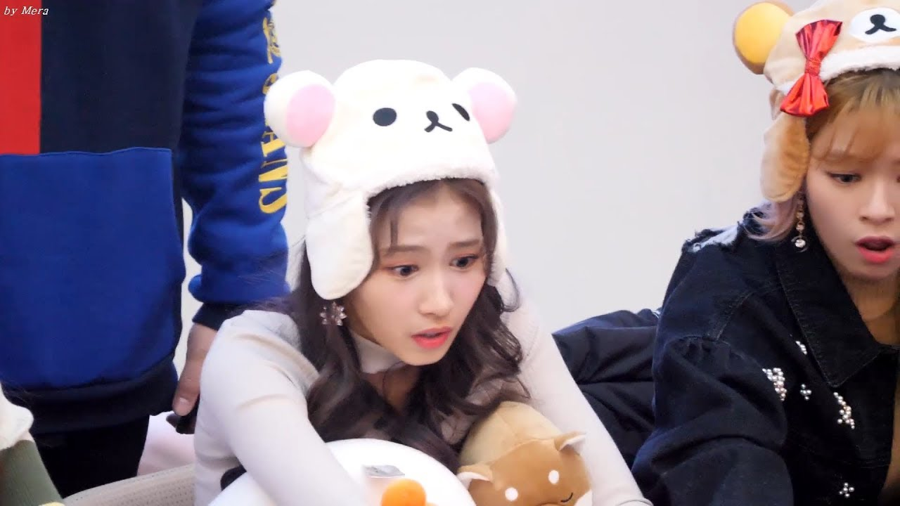 Sana Cares A LOT About Her Fans, What She Did At TWICE's Fanmeet ...