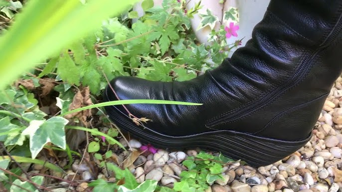 Fly boots flower crush - YouTube
