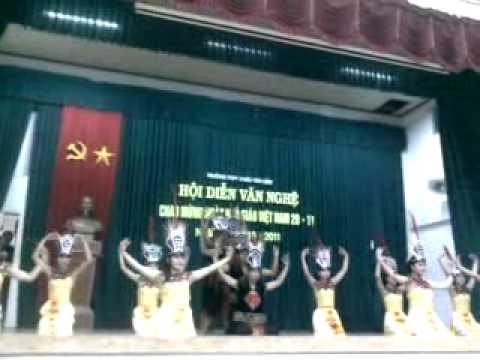 THPT Chau Van Liem lớp 12B1 Hội thi văn nghệ chào mừng 20/11/2010