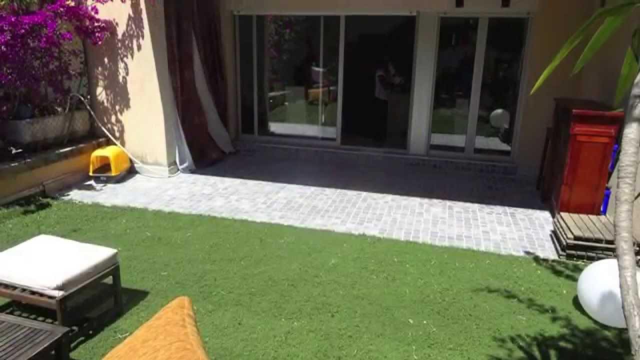 Nice vente appartement 2 pi ces de 51 m jardin for Piscine jardin youtube