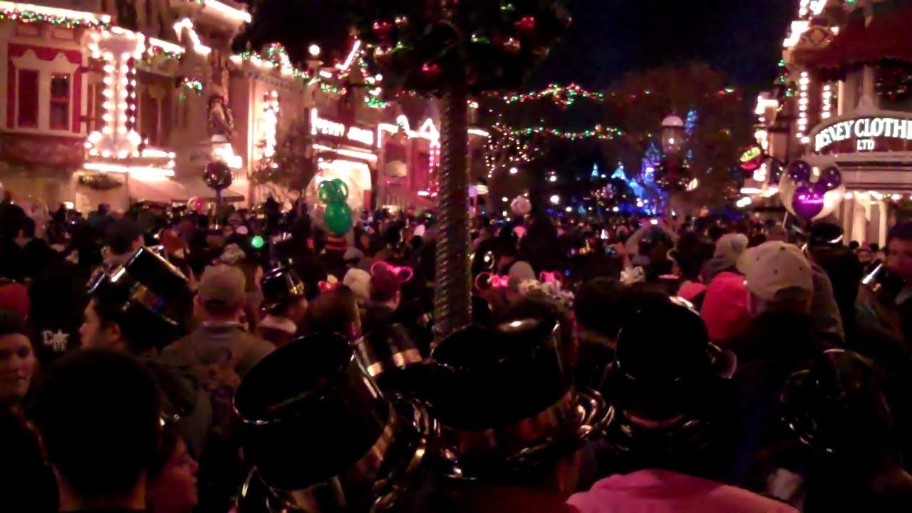 New Year's Eve 2014 at Disneyland - YouTube