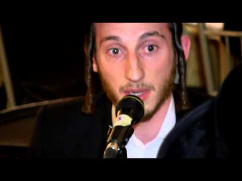 Shulem Lemmer singing with shira chad gadyu