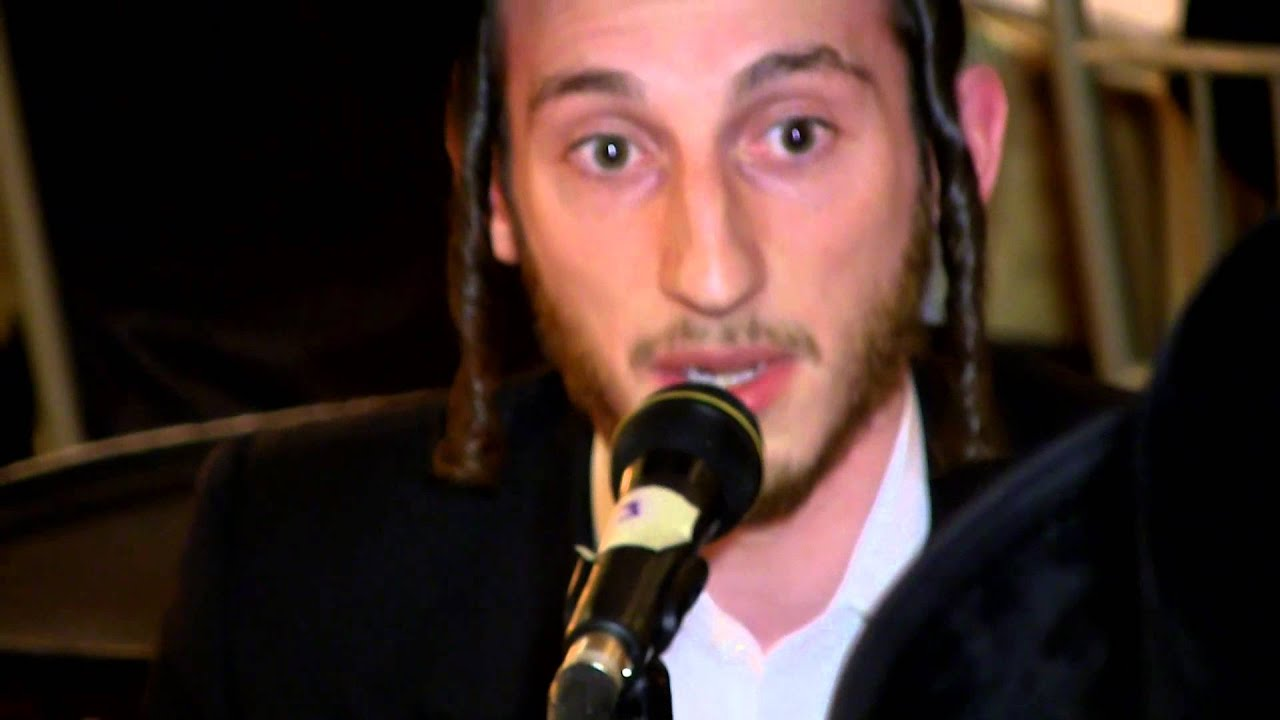 Shulem Lemmer singing with shira chad gadyu