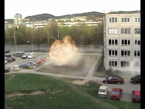 Valgyklos bičai - local explosion