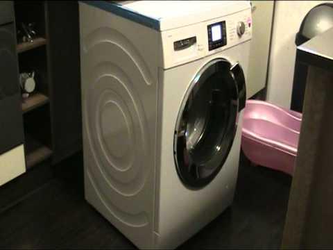neue waschmaschine wandert durch das bad und kann kaum doovi. Black Bedroom Furniture Sets. Home Design Ideas