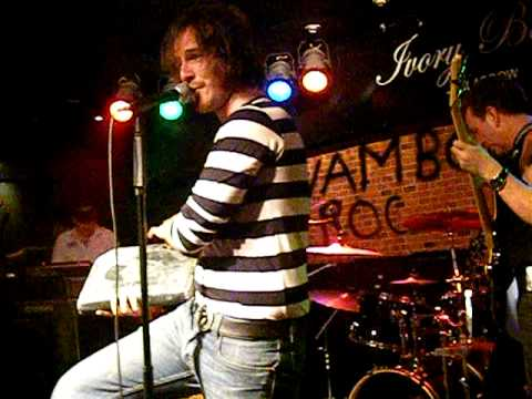 Sensational Alex Harvey Tribute Band ---- Vambo.AVI