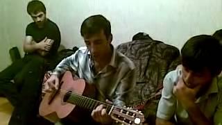 Дагестанец четко играет на гитаре! Песня про Лайку